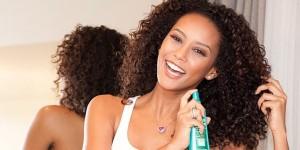 Hidratação-para-cabelos-cacheados-como-cuidar