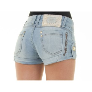 Shorts-jeans-é-a-peça-chave-do-verão-2015-claro